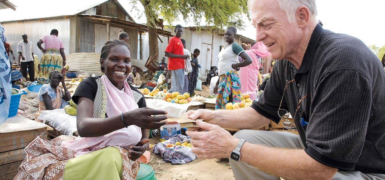 Padre Thesing: El reto del hambre cero