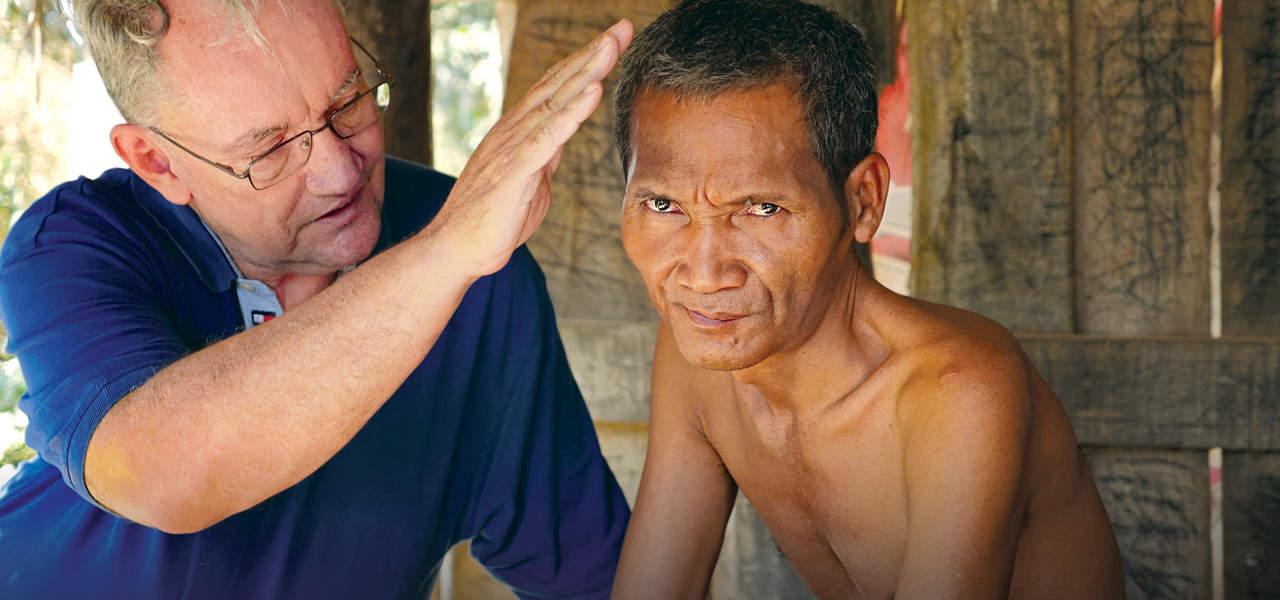 Encadenado en Camboya