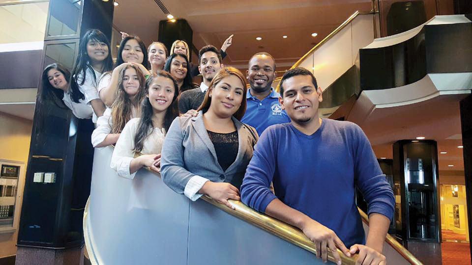 Sembrando líderes Latinos