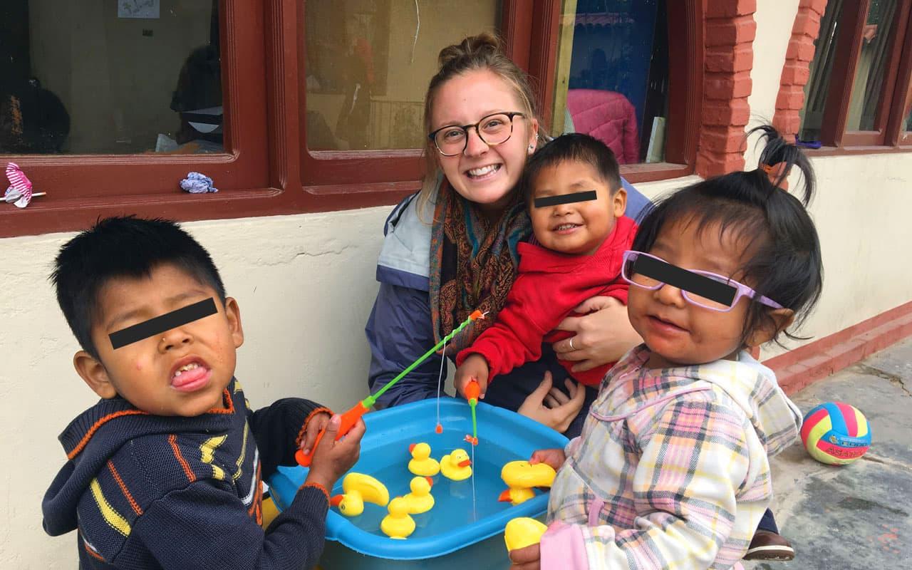 Jugando con la tía Molly en Bolivia