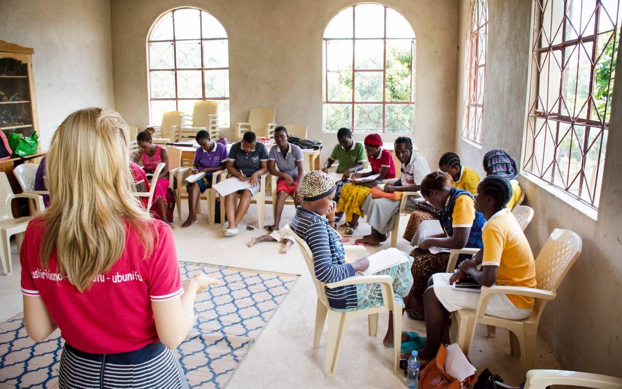 Misioneros Viven la Locura del Evangelio en Tanzania