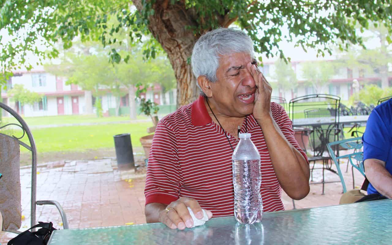 Hombre en riesgo de deportación a su hijo: «Reza por mí.»