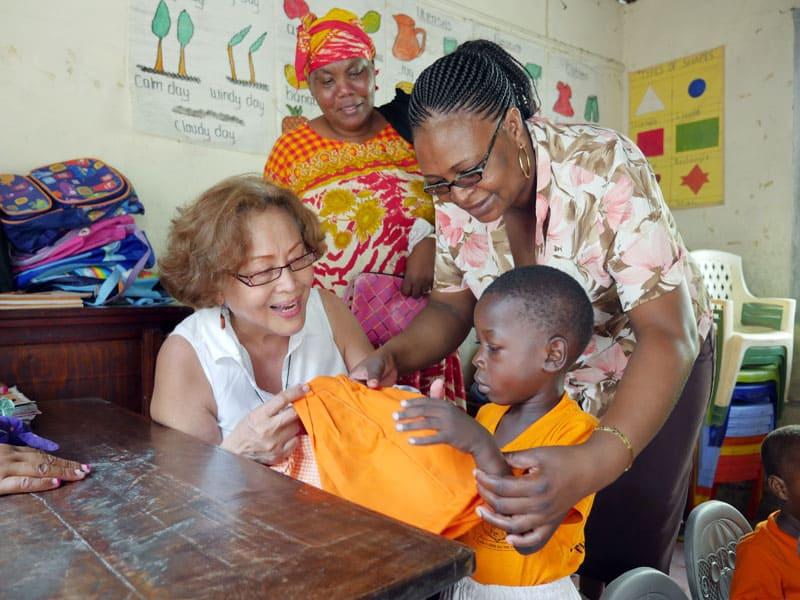 Coralis Salvador habla de dar a luz a Jesús en Mombasa