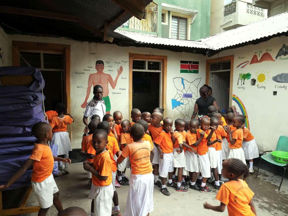 Dar a luz a Jesús en Mombasa-2
