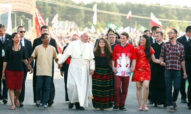 Los jóvenes son una prioridad para la Iglesia universal