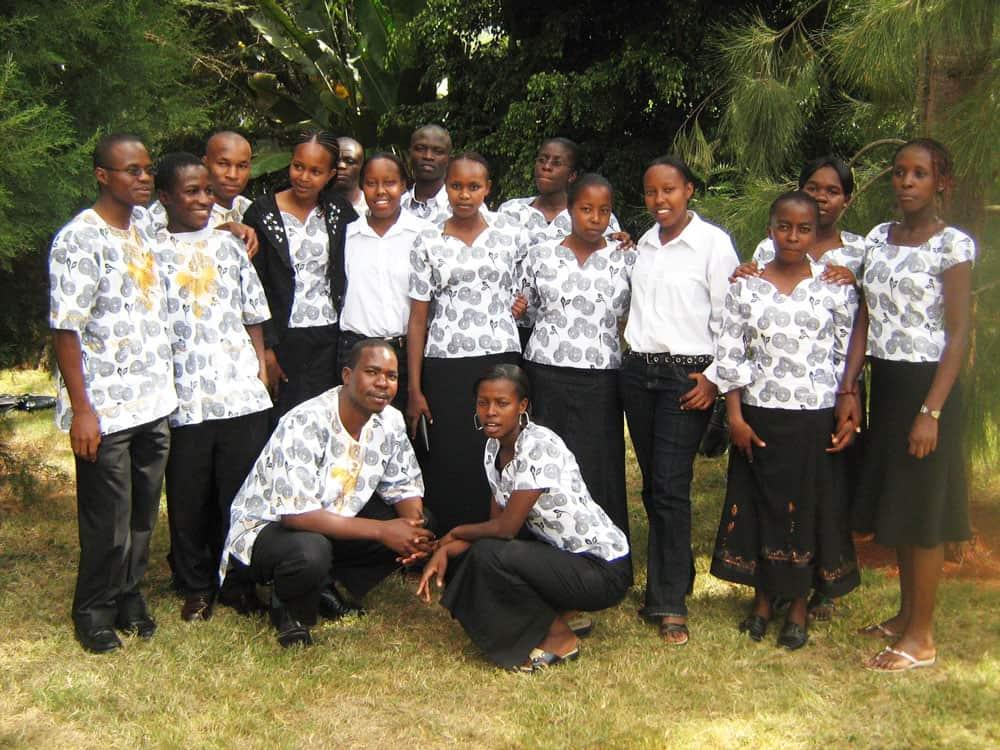 Seminarista de Maryknoll Siyumbu en Kenya