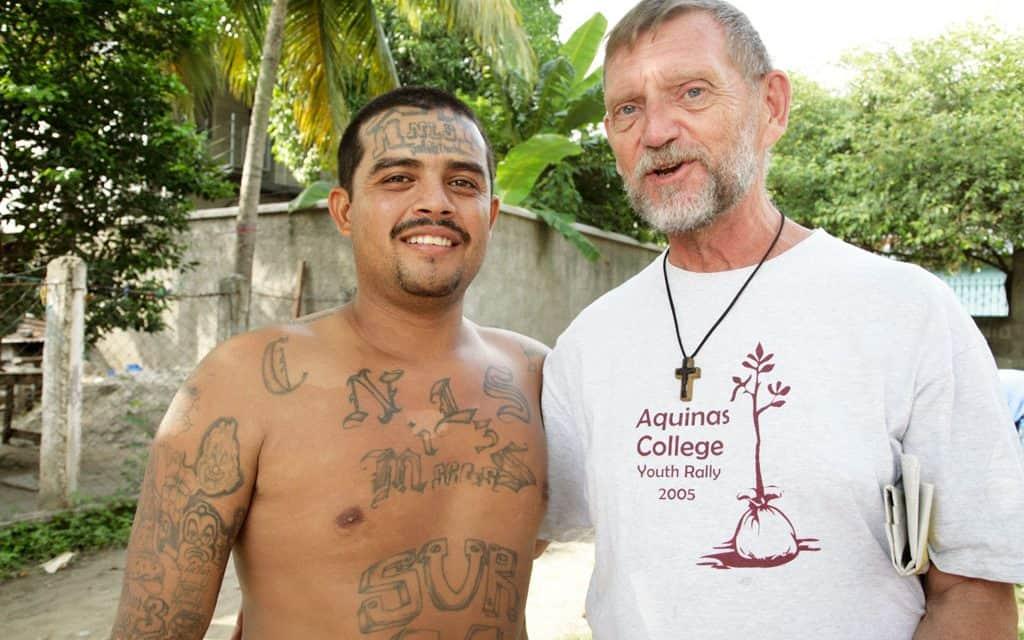 EDITOR RECUERDA REALIDADES DE LAS QUE HUYEN LOS MIGRANTES EN LA CARAVANA