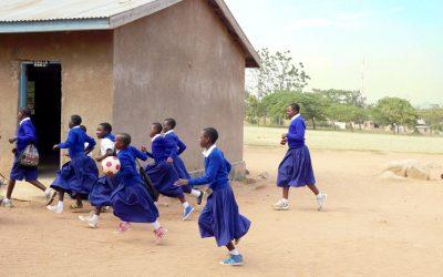 Estudiantes en riesgo en Tanzania merecen una oportunidad escolar