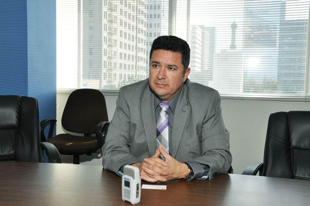 ex inmigrante indocumentado-Isaac Cuevas, director de la Oficina de Asuntos Migratorios de la Arquidiócesis de Los Ángeles. (Nelson Bracamonte/California)