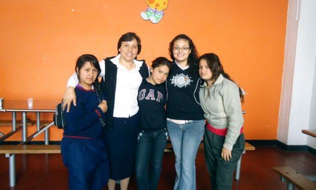 Maryknoll Ayuda a Jóvenes Hispanos en Texas a Vivir su Misión