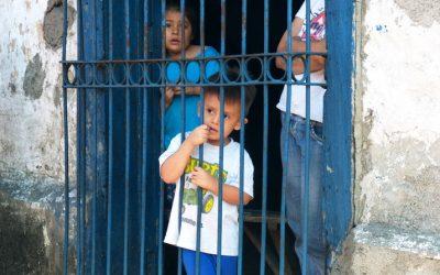 Salvadoreños Desplazados Internamente Encuentran Refugio