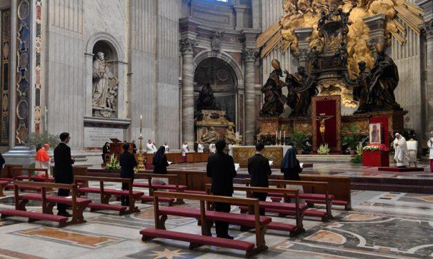 Papa pide 'contagio' de la esperanza de Pascua, paz, cuidado de los pobres