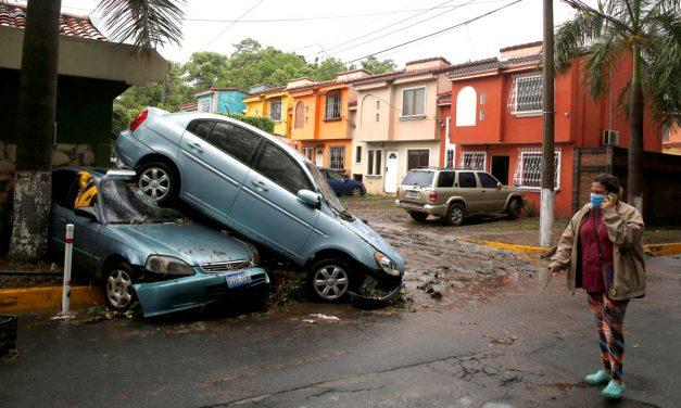 Centroamérica, batallando COVID, ahora enfrenta efectos de fuertes tormentas