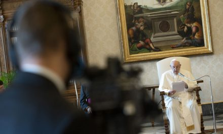 La Oración es una 'Lucha' con Dios, Dice el Papa en Audiencia