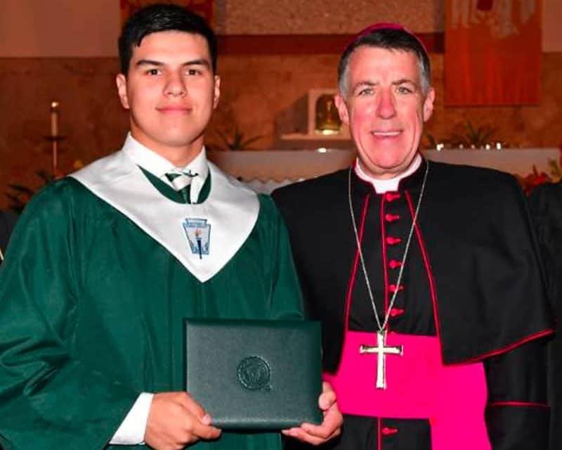 Comunidades católicas de luto por asesinato de hijo de una juez federal