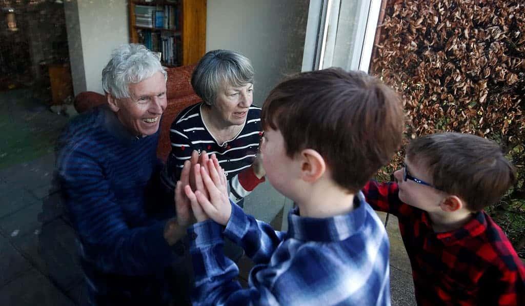 Papa: Muestren a los abuelos, ancianos que les importan
