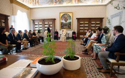 Papa: Falta de Respeto por la Vida, la Naturaleza Viene de Misma Raíz