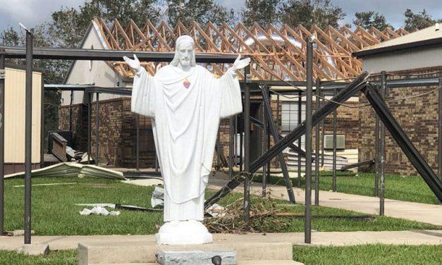 Líder de USCCB Pide Colecta Especial para Diócesis Afectadas por Desastre