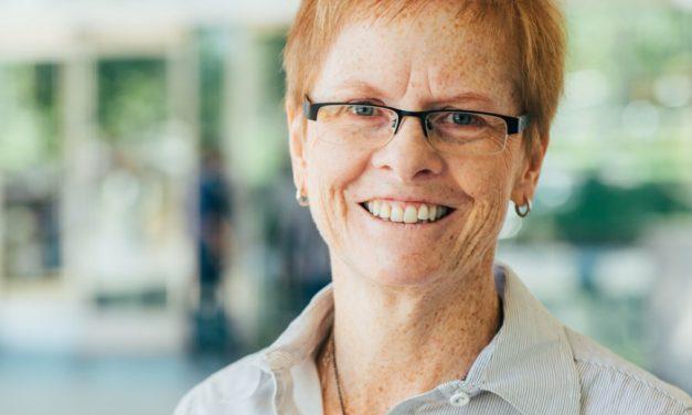 Una Entrevista sobre Inmigración con la Escritora Linda Dakin-Grimm