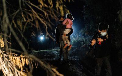 Biden eleva el límite de refugiados, pero con advertencia