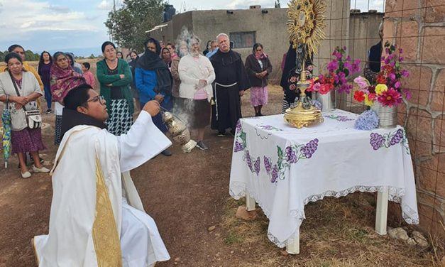 Sacerdote mexicano muere en tiroteo entre cárteles