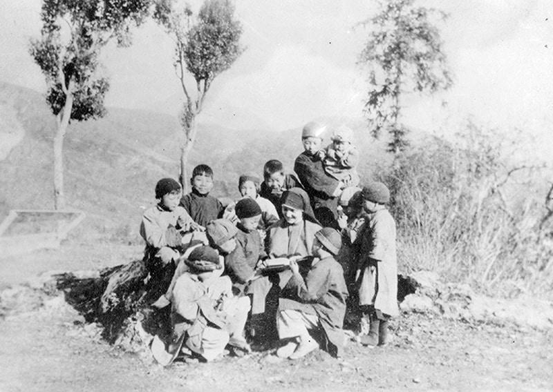 100 años de envío: La Hermana Maryknoll Madeleine Sophie Karlon, quien fue enviada a China en 1934, se dedicó a la labor de la evangelización directa con mujeres y niños en la Diócesis de Kaying.