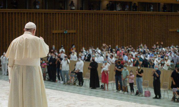 Papa: Ley de Dios se trata de libertad, no de 'servidumbre' por vida