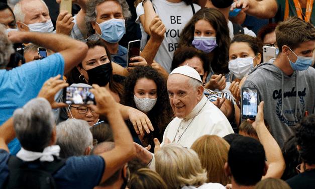 La hipocresía en la iglesia es 'detestable', dice el papa en la audiencia
