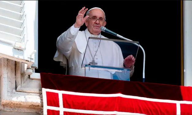 """El Papa advierte contra la tentación de una fe idolátrica y """"milagrera"""""""