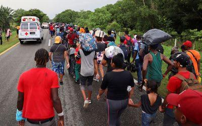 Obispos mexicanos se solidarizan con migrantes de caravana interrumpida