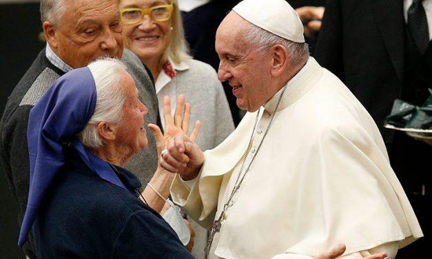 Papa: La Iglesia debe respetar a otras culturas, no imponerse
